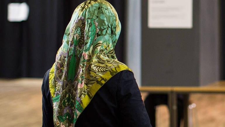 Crna Gora: Državne službenice mogu nositi hidžab