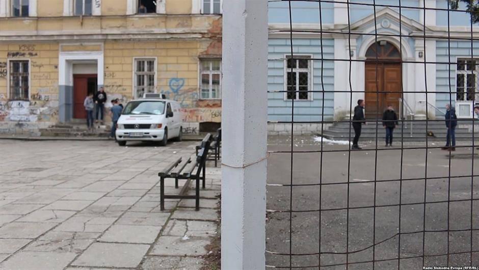 Srušena najpoznatija ograda u Travniku